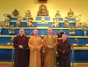 Visit from abbot of Kai Yuan temple